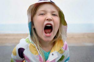 screaming-child02-istgahekoodak-300x200 نوجوانان سرکش و قیام علیه والدین