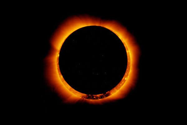 sun12 اندازه و وزن خورشید وخورشید چطور گرم و درخشان می شود