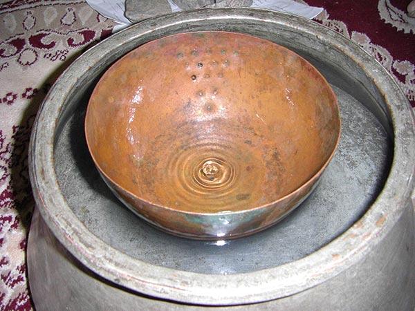 water_clock-pangan ساعت آبی یا پنگان ابزار ایرانیان قدیم برای تقسیم آب